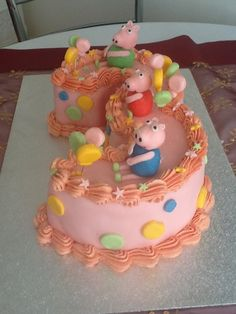 peppa pig cake-love this cake Pig Cakes, Bakery Cakes, Cupcake Cakes, Cupcakes, 3 Year Old Birthday Cake, Pig Birthday, Birthday Ideas, Three Little Piggies, Cumple Peppa Pig
