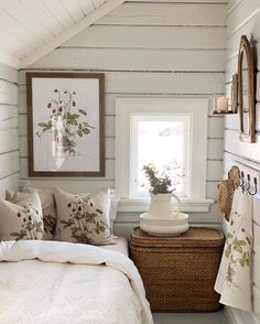 Cottage Style Bedrooms, Cottage Style Decor, Shabby Chic Bedrooms, Cottage Living, Cozy Cottage, Guest Bedrooms, Home Living Room, Bedroom Country, Estilo Country