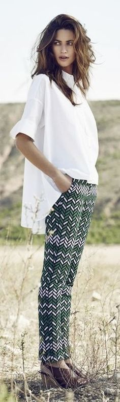 Trendy pants - good picture Casual Street Style, Style Désinvolte Chic, Fashion Updates, Fashion Trends, Girls World, College Outfits, Everyday Outfits, Dress Me Up, Fashion Outfits