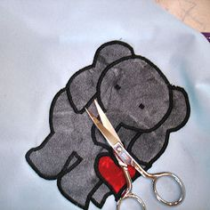 Wow! How to make your own appliques! Maybe someday...far into the future...this might happen.  :)