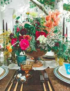 Add a Splash of Color to Your Wedding Tables With These Vintage-Inspired Glasses via Brit + Co