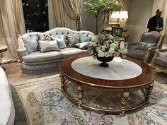 Coffee Table Decor Ideas - A round coffee table softens the space in a living room or study, where solid furniture tends to be angular, with rectangular Furniture Styles, Luxury Furniture, Home Furniture, Diy Esstisch, Diy Dining Table, Rococo Style, Round Coffee Table, Decorating Coffee Tables, Western Decor