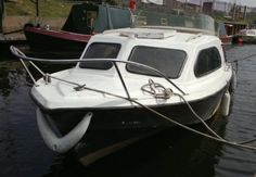 She is a Shetland 18ft fishing boat, utilising a 2 stroke Yamaha engine.  Duchess has the ability to have 2 berths aboard  Comes with her covers intact, plus a new anchor and windlass.