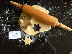 An alle Backfeen da draußen: Die Weihnachtsbäckerei kann nun endlich beginnen!  So wird die bevorstehende Adventszeit noch schöner. Wir empfehlen Euch zum Backen unsere sweevia® Streusüße im 1000g BigPack.  Dann macht nämlich nicht nur das Backen, sondern nachher auch das Naschen viel mehr Spaß, denn eure Leckereien sind dann gesund und ganz ohne Zucker. Schaut vorbei und greift zu: http://www.sweevia.de/stevia-streusuesse/stevia-streusuesse-1-1-bigpack/