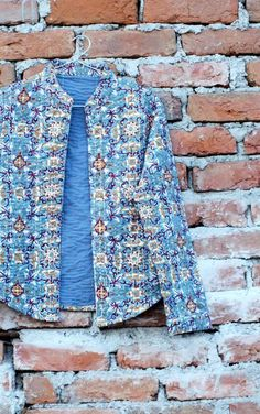 A concoction of cool design and traditional Indian prints....all you could ask for! Handblock printed quilted jacket, perfect for all seasons.