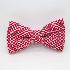 Noeud papillon tissu japonais rouge https://www.etsy.com/fr/listing/265035312/noeud-papillon-alphonse