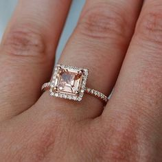 Rose gold ring! Love it! Im obsessed with rose gold