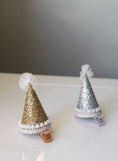 Hello Alyss Hello Alyss Party Hat Hair Clip - Gold