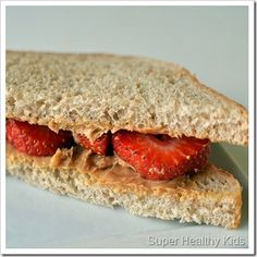 great evening snacks for the little ones - peanut butter and strawberry sandwich