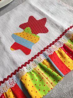 Pano de prato com aplique em patchwork