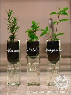 Como fazer vasos de vidro de garrafa - Passo a passo com fotos - How to make vases using old empty bottles - DIY tutorial - Madame Criativa - www.madamecriativa.com.br