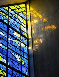 https://s-media-cache-ak0.pinimg.com/236x/20/e1/d8/20e1d8e85e48f4fd8fb741f305ee5b9b--modern-stained-glass-stained-glass-windows.jpg
