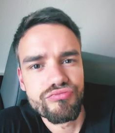 Only person that looks good making a duck face. Rebecca Ferguson, Liam James, One Direction Photos, I Love One Direction, Nicole Scherzinger, Liam Payne, Louis Tomlinson, Niall Horan, I Still Love Him