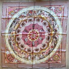 Foulard soie - Carré Hermès - boîte d origine, sac, livret de présentation d7aae803610