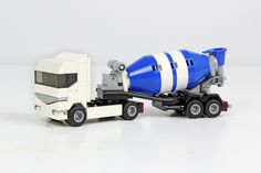 https://flic.kr/p/LQPPAc | Renault Premium Cement Mixer | It's two years ago, that I received an e-mail from Mattia Zamboni, asking if I would be interested in contributing to a new book. A book about tiny models built with lego bricks including building instructions. Of course I was interested and my tiny trucks were fitting perfect. But instead of taking the ones I already built, I decided to make some changes before. The result are three new trucks and a completely new excavator.  Since…