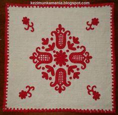 Hungarian Embroidery Írásos terítő, közepes méret: 40 x 40 cm Chain Stitch Embroidery, Embroidery Stitches, Embroidery Patterns, Stitch Head, Last Stitch, Hungarian Embroidery, Folk Embroidery, Braided Line, Vintage Jewelry Crafts