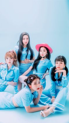 """Red Velvet is a South Korean girl group formed by SM Entertainment. The group debuted on August with the digital single """"Happiness"""" and four group members: Irene, Seulgi, Wendy and Joy. Wendy Red Velvet, Red Velvet Joy, Red Velvet Irene, Black Velvet, Seulgi, Kpop Girl Groups, Korean Girl Groups, Kpop Girls, Asian Music Awards"""