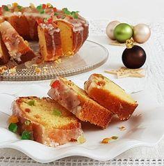 Ki ne szeretne egy isteni karácsonyi sütit az asztalra tenni az ünnepekkor? Ez a narancsos kuglóf ideális megoldás!