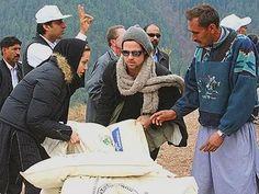 Angelina Jolie & Brad Pitt - Pakistan earthquake