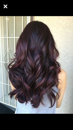 Deep violet base and mahogany violet toned balayage. Used all pravana. Are you looking for blonde balayage hair color For Fall and Summer? See our collection full of blonde balayage hair color For Fall and Summer and get inspired! Ombré Hair, New Hair, Wavy Hair, Curls Hair, Hair Dye, Purple Balayage, Partial Balayage, Dark Red Balayage, Dark Ombre