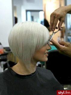 Cheveux blonds mi-longs  :15 coiffure à adopter urgement ! - Tendance coiffure
