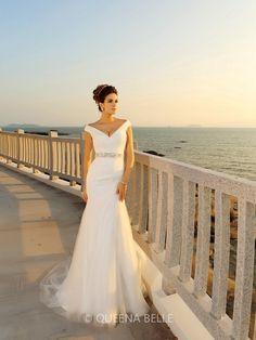 Sheath/Column Pleats Court Train V-neck Sleeveless Net Wedding Dresses