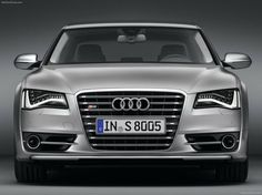 AUDI S8 2013 - this queen can smell the interior