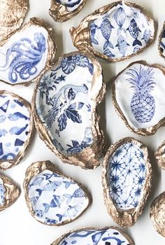 Statement Oyster Shell Ring Bowl, Chinoiserie, Delft Blue Trinket Dish, blue and white Hostess gift, Something Blue Coastal Jewelry holder - Shell Crafts Oyster Shell Crafts, Oyster Shells, Sea Shells, Seashell Crafts, Beach Crafts, Seashell Art, Rope Crafts, Seashell Ornaments, Seashell Painting
