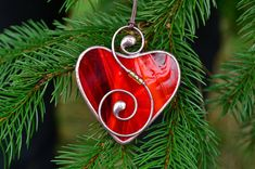 Valentines day gift, gift for him, gift for her, stained glass heart, heart suncatcher, stained glass ornaments, wire ornaments, stained glass gift * Thank you for visiting our shop. Here you can find an original, interesting and cute gift for your family, relatives or friends. It will