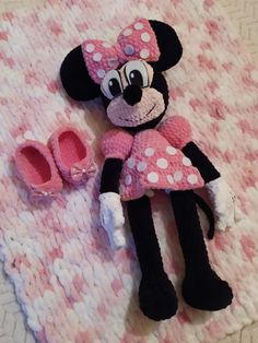 Návod na háčkovanie Minnie Mouse ~ Tvorím s láskou - by Peťka Crochet Toys, Minnie Mouse, Disney Characters, Fictional Characters, Peta, Fantasy Characters, Maps