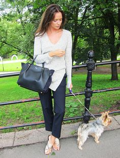 i LOVE this simple but chic outfit