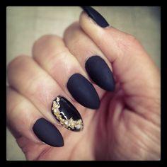 Matte black with gold #nails #nailart #dopenails #nailswag #baddassnails