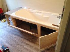 Caisson de baignoire en bois avec tiroir de rangement intégrer