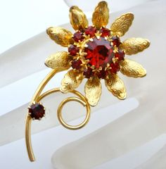Vintage Red Rhinestone Flower Brooch Prong Set Gold Estate Figural Pin Jewelry