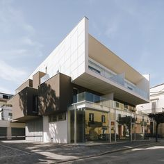 VGramsci Building  / Giovanni Vaccarini Architects