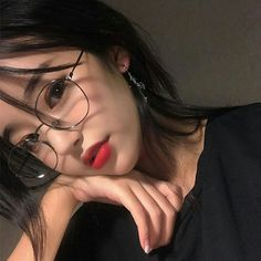 // ulzzang girl uploaded by nad. on We Heart It Ulzzang Korean Girl, Cute Korean Girl, Cute Asian Girls, Cute Girls, Make Up Korean, Korean Beauty, Asian Beauty, Korean Makeup, Korean Glasses