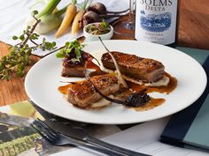 Traditional ingredients are balanced with veldkos and herbs at Fyndraai restaurant at Solms-Delta Wine Estate in Franschhoek. Salmon Burgers, Wine Recipes, Hamburger, Cape Town, Breakfast, Ethnic Recipes, South Africa, Restaurants, Eat