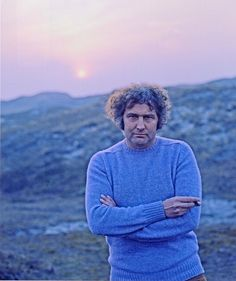 (Jan Wolkers with lilac jumper, sunset).