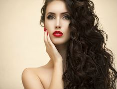 Whether you're recovering from a disastrous haircut or lusting after Rapunzel-like locks for your wedding, waiting for your hair to grow can feel like an etern. Best Red Lipstick, Red Lipsticks, Young And Beautiful, Beautiful Women, New Hair, Your Hair, Hair Treatment Mask, Natural Hair Styles, Long Hair Styles