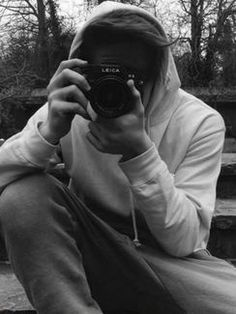ベッカム家の長男、バーバリー新広告のカメラマンに起用!