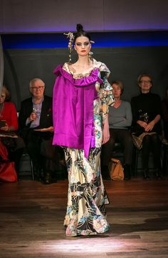 Yumi Katsura Paris Couture Collection SS 2016  A elegant dress printed with a classic ball pattern,with a haori jacket./japanese traditional motif http://www.yumikatsurafrance.com