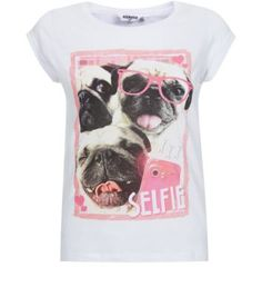 3852397d3bca Make a statement this season with this selfie pug printed tee. Great with  mom jeans