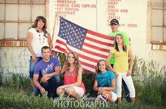 Patriotic family photos. American flag. Jaclyn Heward Photography