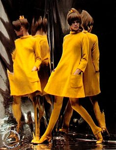 fashion SWEET JANE: Billion Dollar Look I still dream of an all yellow look. 60s Fashion Trends, 60s And 70s Fashion, 60 Fashion, Retro Fashion, Fashion Show, Vintage Fashion, Sporty Fashion, Fashion Women, Winter Fashion