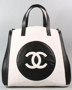 4-fashion-handbags   fashion-style-dresses-top Chanel Purse, Chanel Handbags, Purses And Handbags, Chanel Bags, Designer Handbags, Chanel Fashion, Fashion Bags, Fashion Handbags, Chanel Style