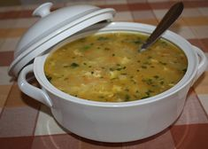 Czech Recipes, Ethnic Recipes, Homemade Perfume, Cheeseburger Chowder, Stew, Food And Drink, Meals, Drinks, Cooking