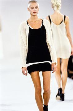 Calvin Klein Collection Spring 1994 Ready-to-Wear Fashion Show - Ève Salvail