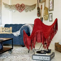 red fring, butterfli chair