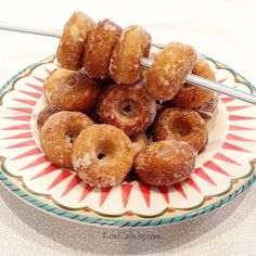 Low Carb Donuts sounds like a fantasy recipe. Less than half a carb in their scrumptious mini glory they taste fantastic too.Try cake-style or fried.