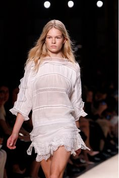 See the complete Isabel Marant Spring 2014 Ready-to-Wear collection.